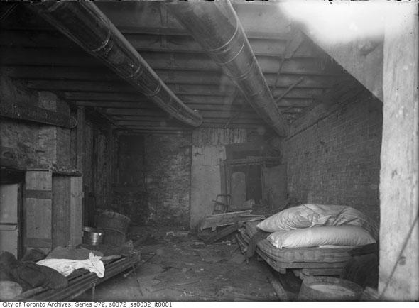 20130910-Slums-Basement