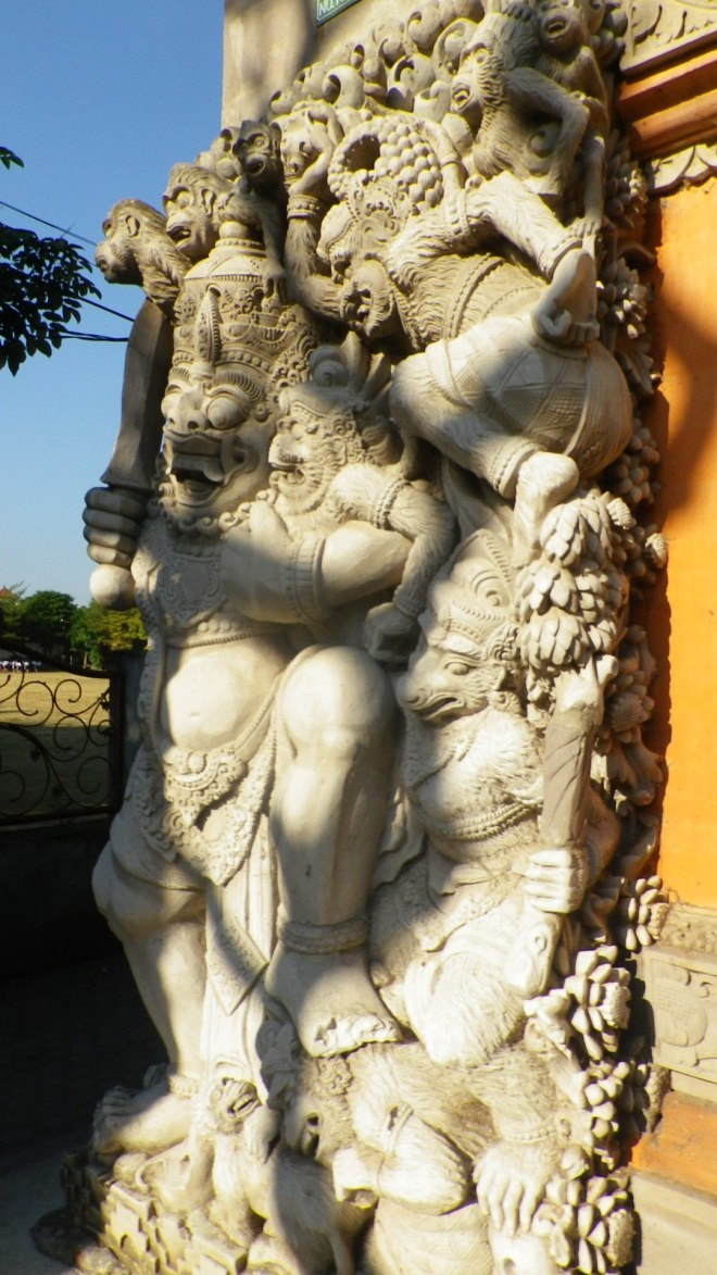 sculpture ubud bali